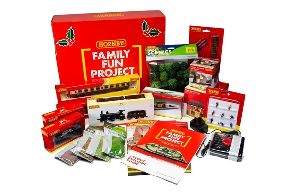 Hornby Family Fun Project Christmas Hamper - OO Gauge Railway Starter Pack R1278