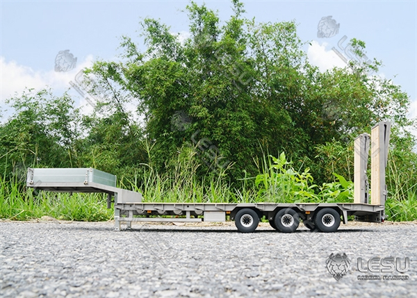 Lesu 1/14 3 Axle Low Loader Trailer With Hydraulic Tail Ramps